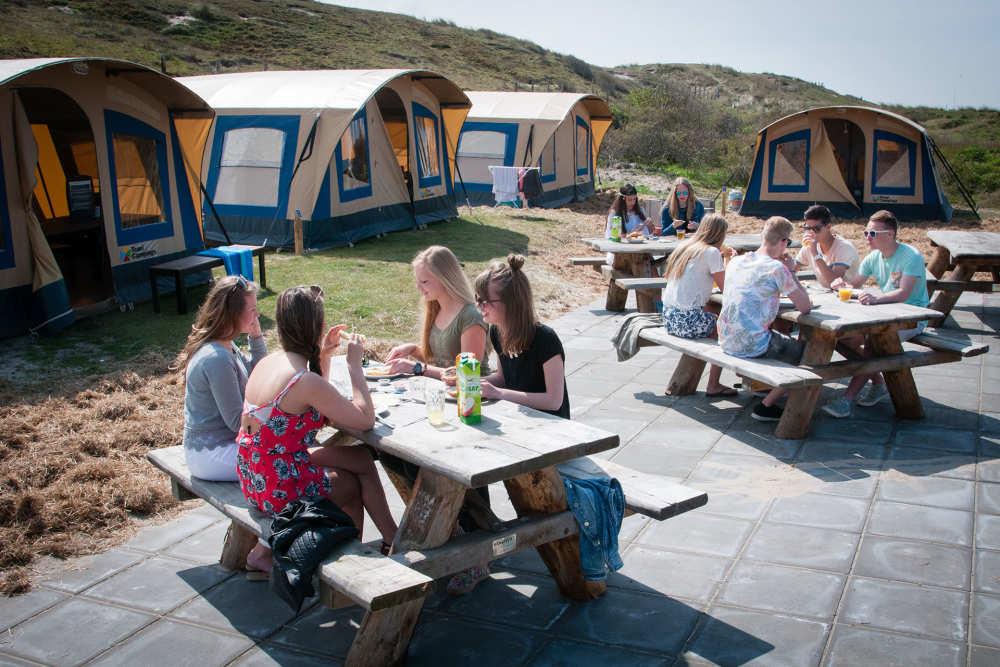 Camping Kogerstrand, Eingerichtete Gruppenzelten