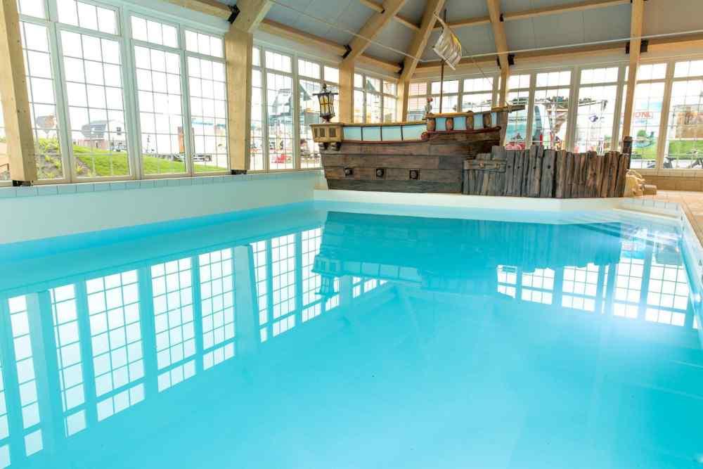 Europarcs resort poort van amsterdam zwembad