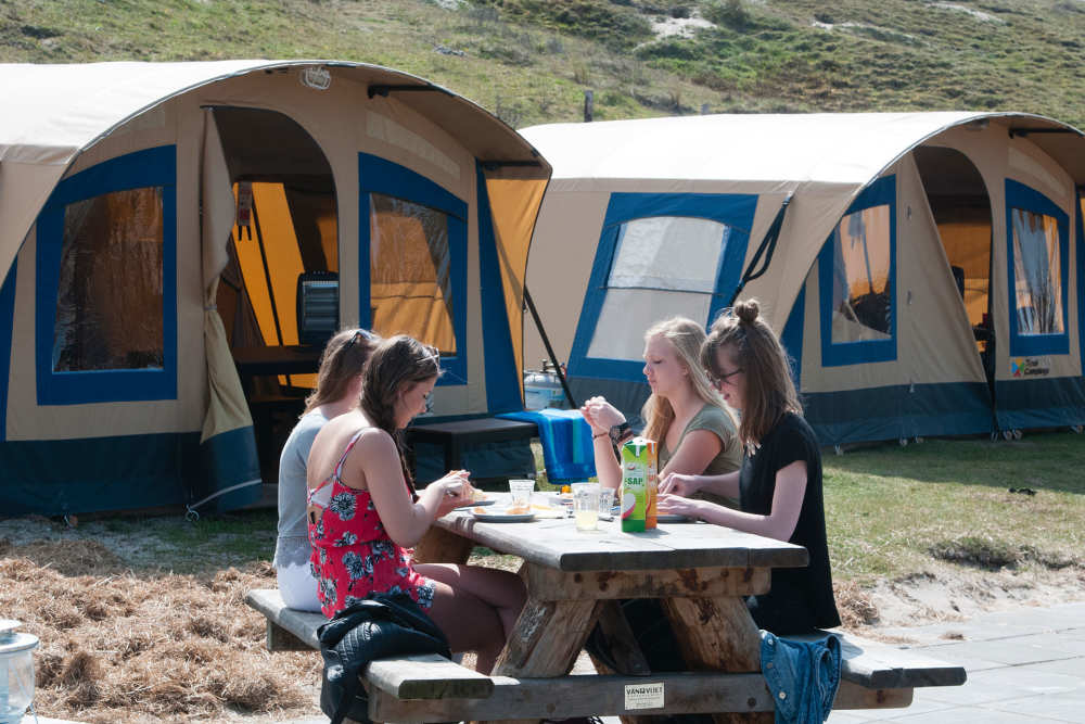 Camping Kogerstrand, ingerichte groepstenten