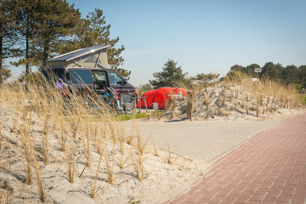 Camping Loodsmansduin, camperplek buiten de poort