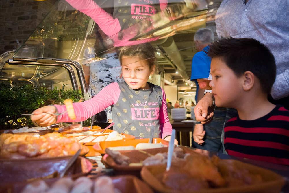 Ferienpark De Krim, juttersbuffet 't Paviljoen