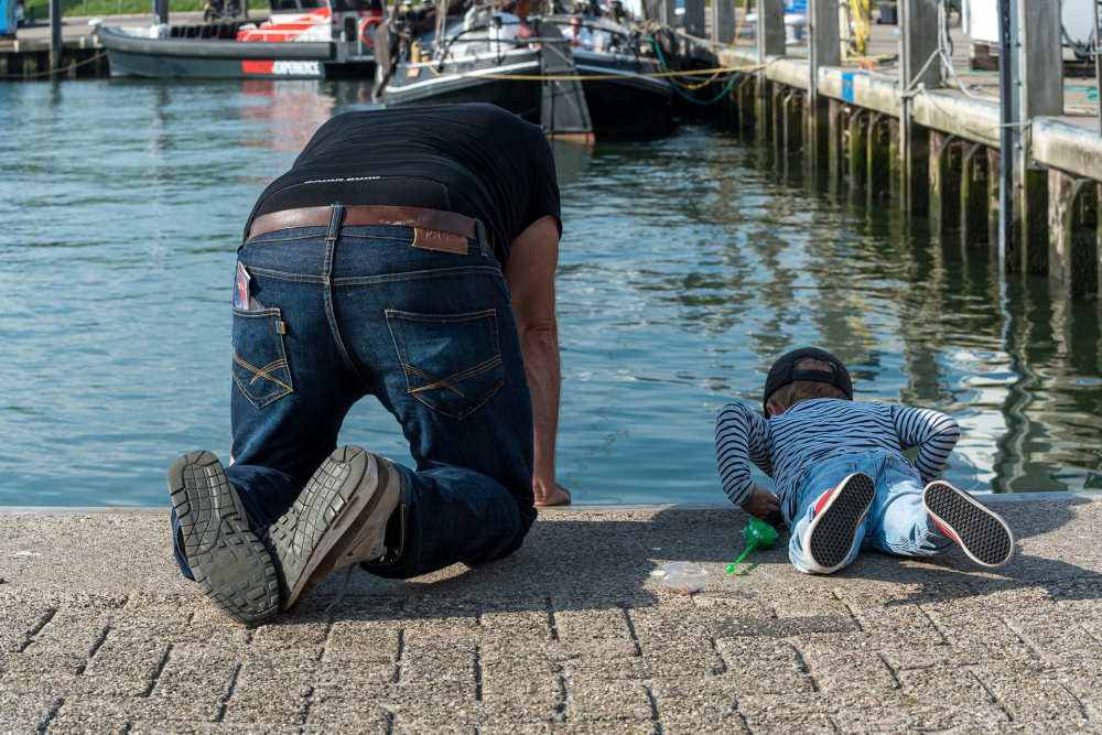 Crab fishing in the harbour
