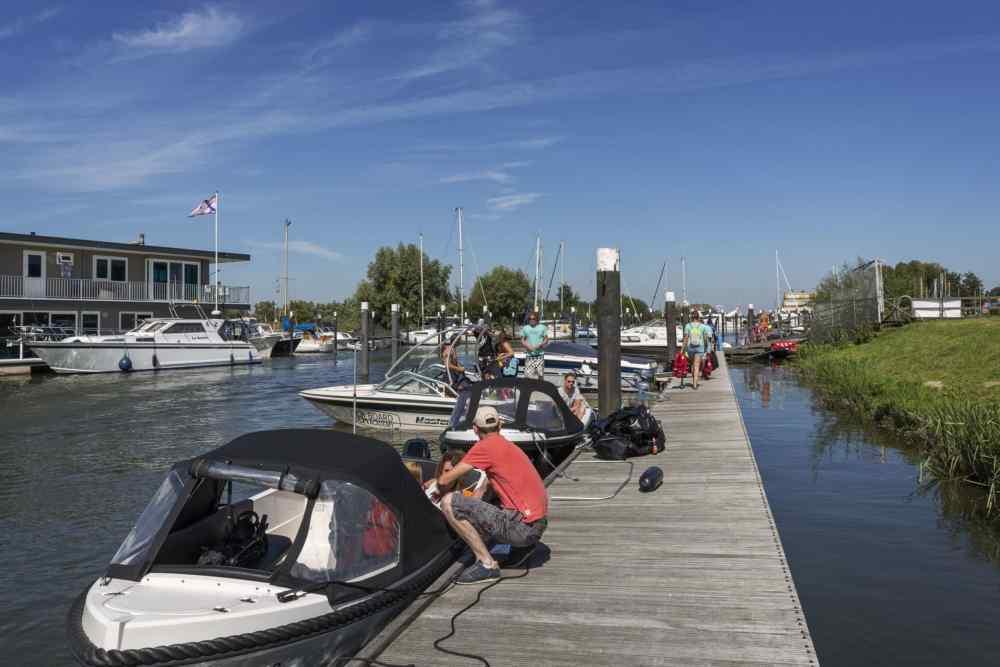 Snoekbaars Boat Rental