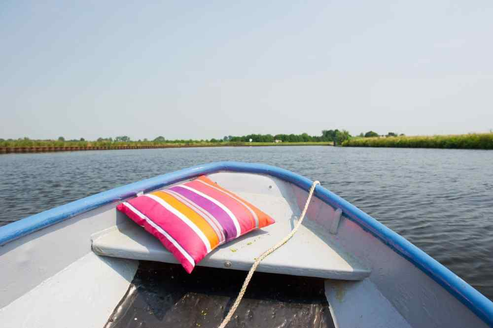 Whispering boat rental
