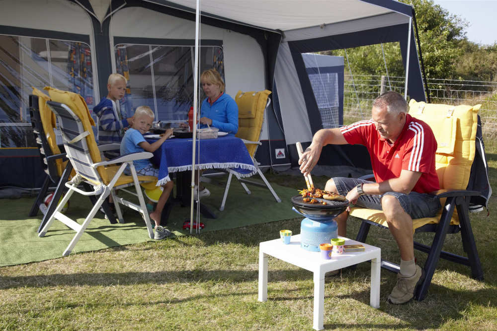 Camping De Shelter, Grillen