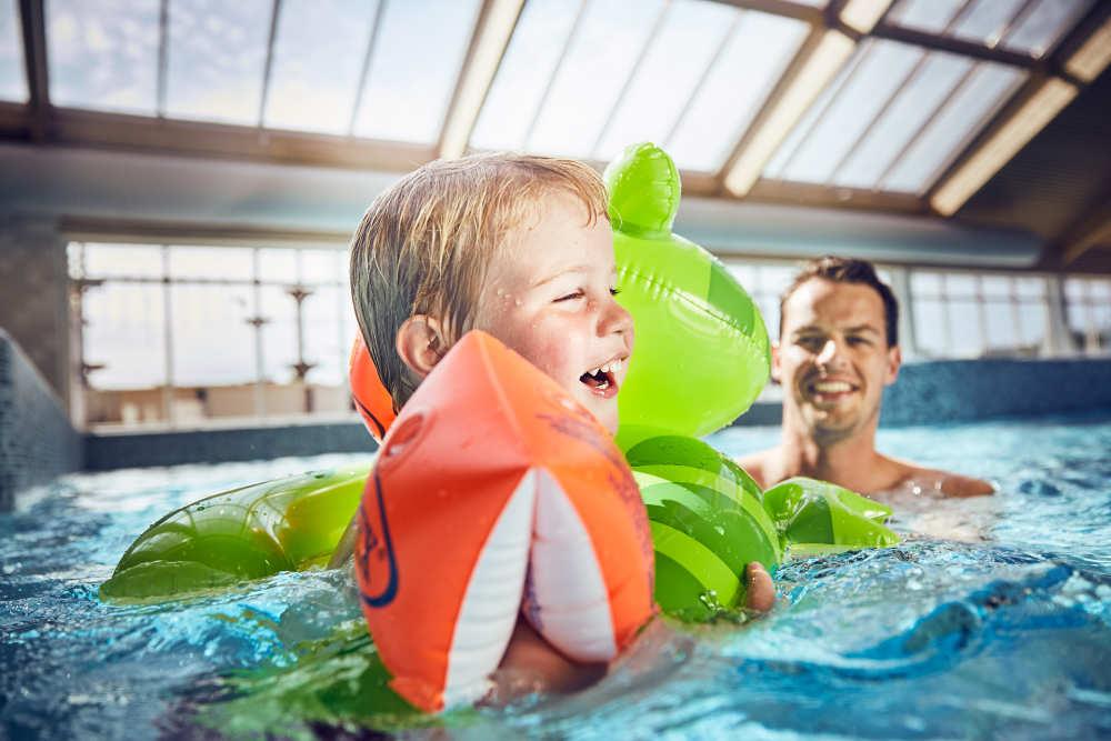 Zelt mieten auf Texel auf ein Campingplatz mit Schwimmbad