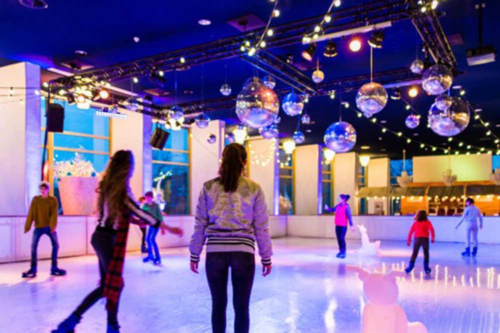Evenementenhal Texel, Eislaufbahn