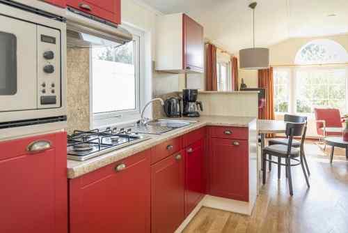 Moderne chalet keuken chalet te koop op eigen grond op landgoed