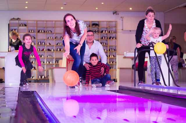 Bowling alleys bookable by the hour