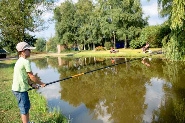 Book a fishing holiday in the Netherlands now at Villapark de Weerribben