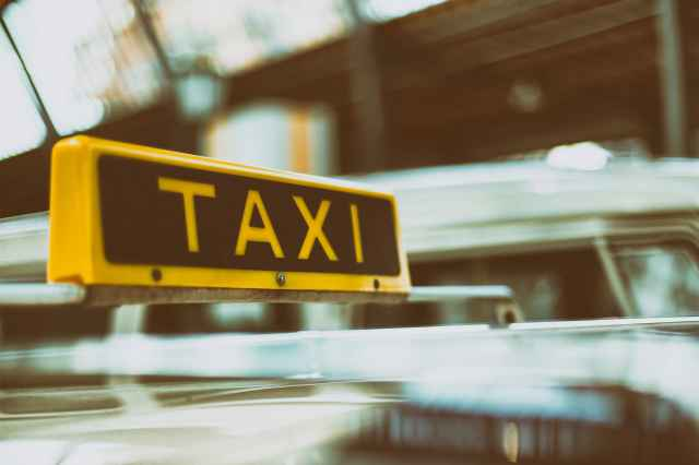 Taxi & Car Rental