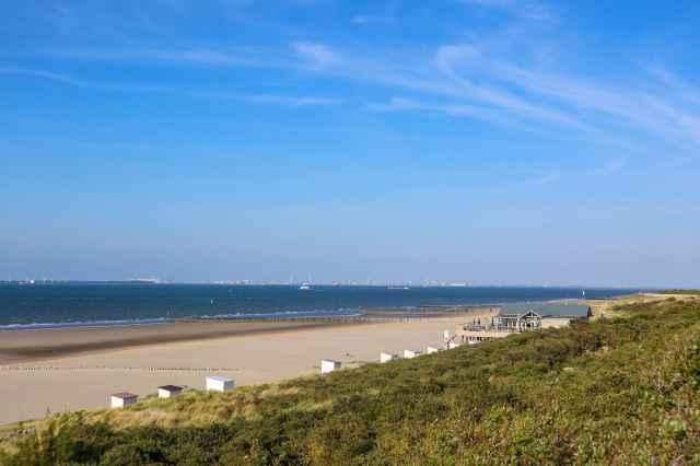 Strand und  Natursee