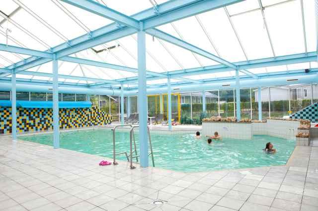 Schwimmbad und Wellness