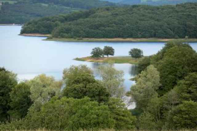 Het meer van Pannecière