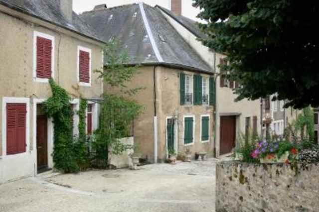 Moulins-Engilbert