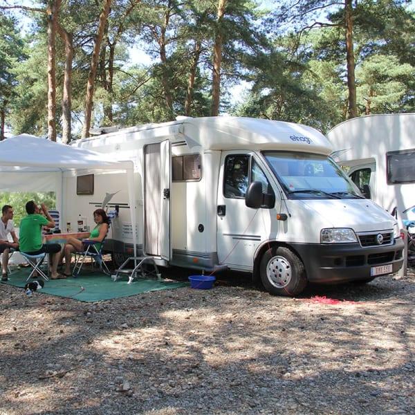 Terrain pour camping-cars