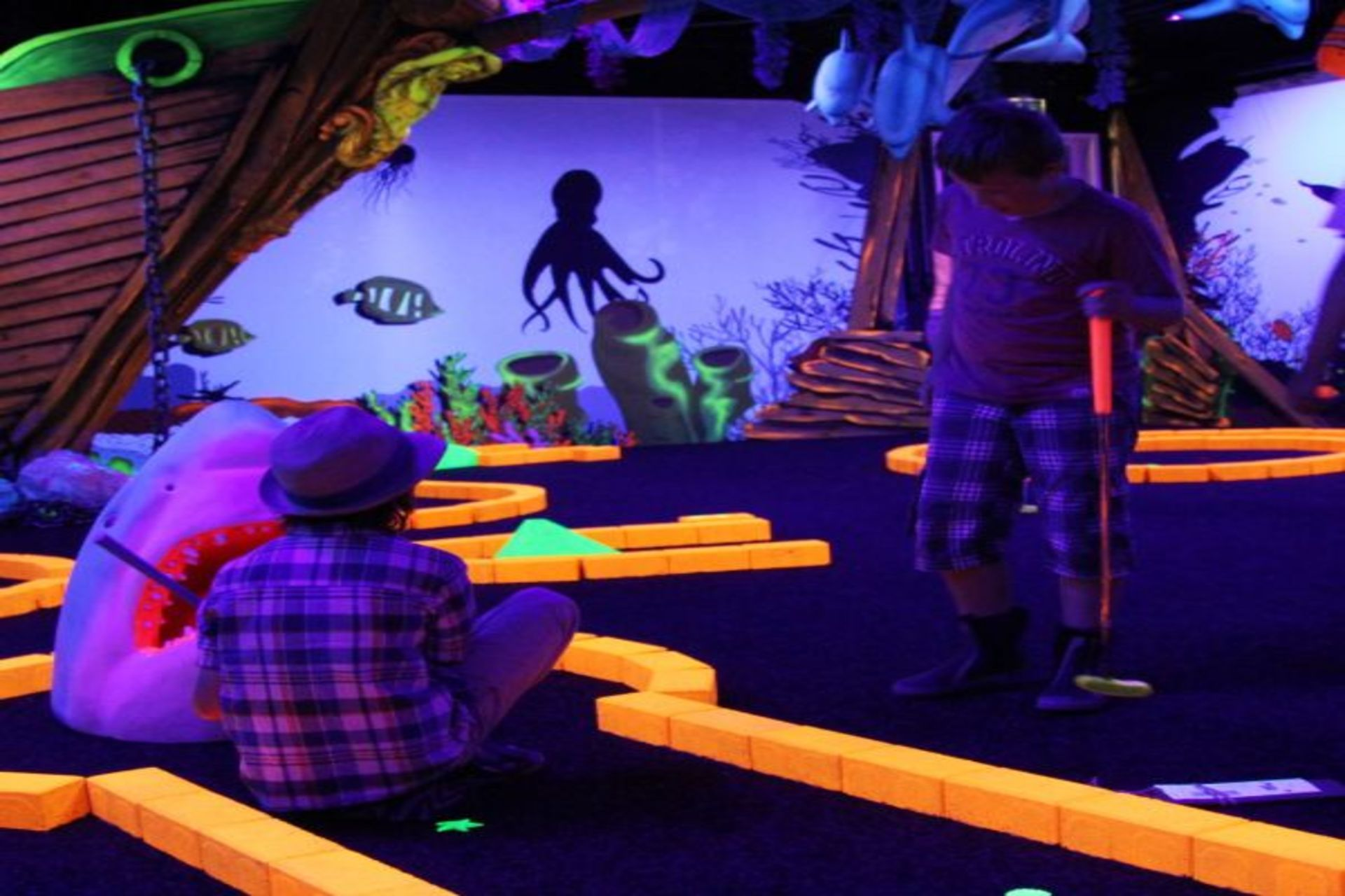 Glowgolf & Escaperoom