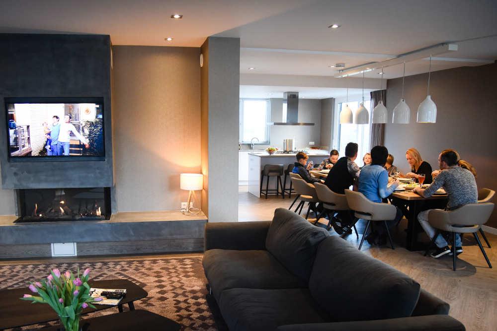 Bungalowpark 't Hoogelandt, luxe villa, woonkamer