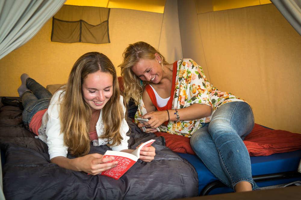 Camping Kogerstrand, Eingerichtete Jugendzelt