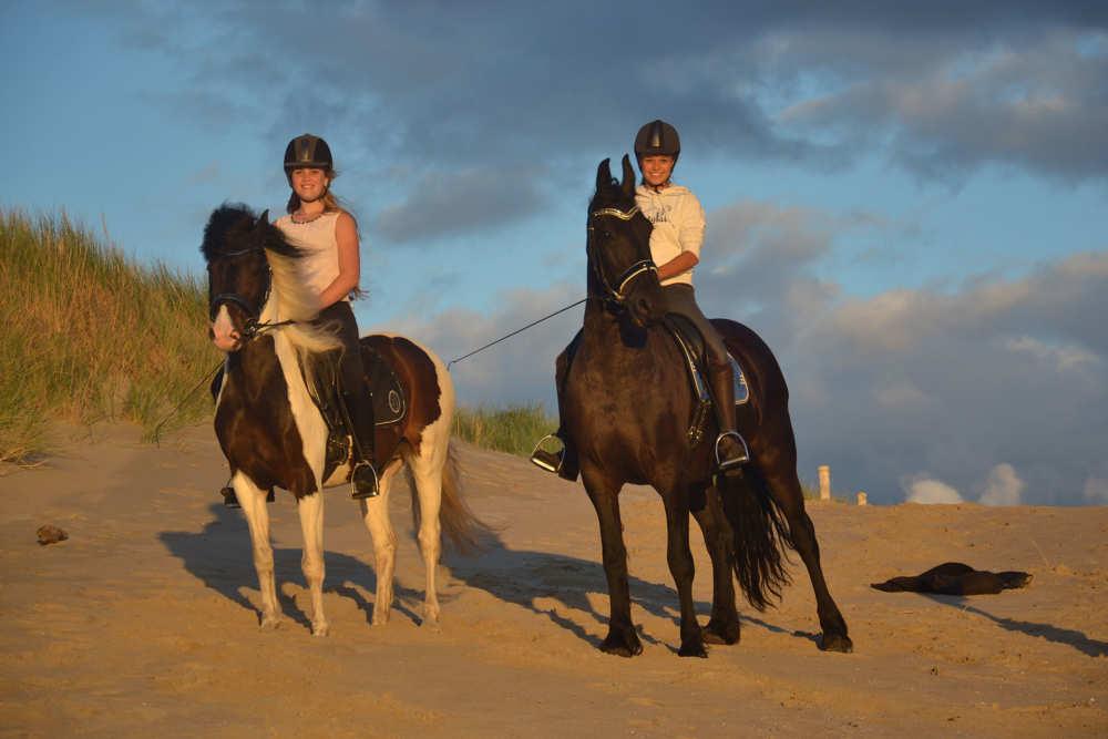 Paardrijden over het strand