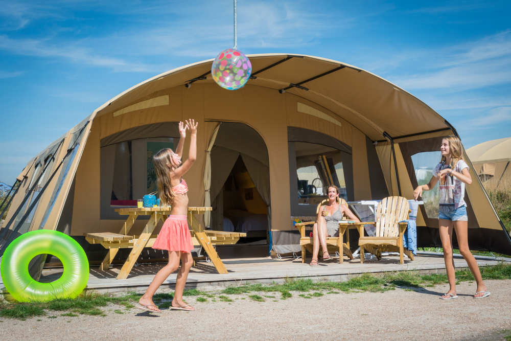 Camping Loodsmansduin, furnished tent with bathroom